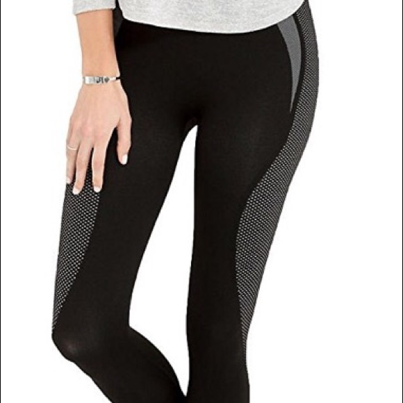 42f6440bf21763 SPANX Pants | Womens Cropped Athletic Seamless Leggings | Poshmark